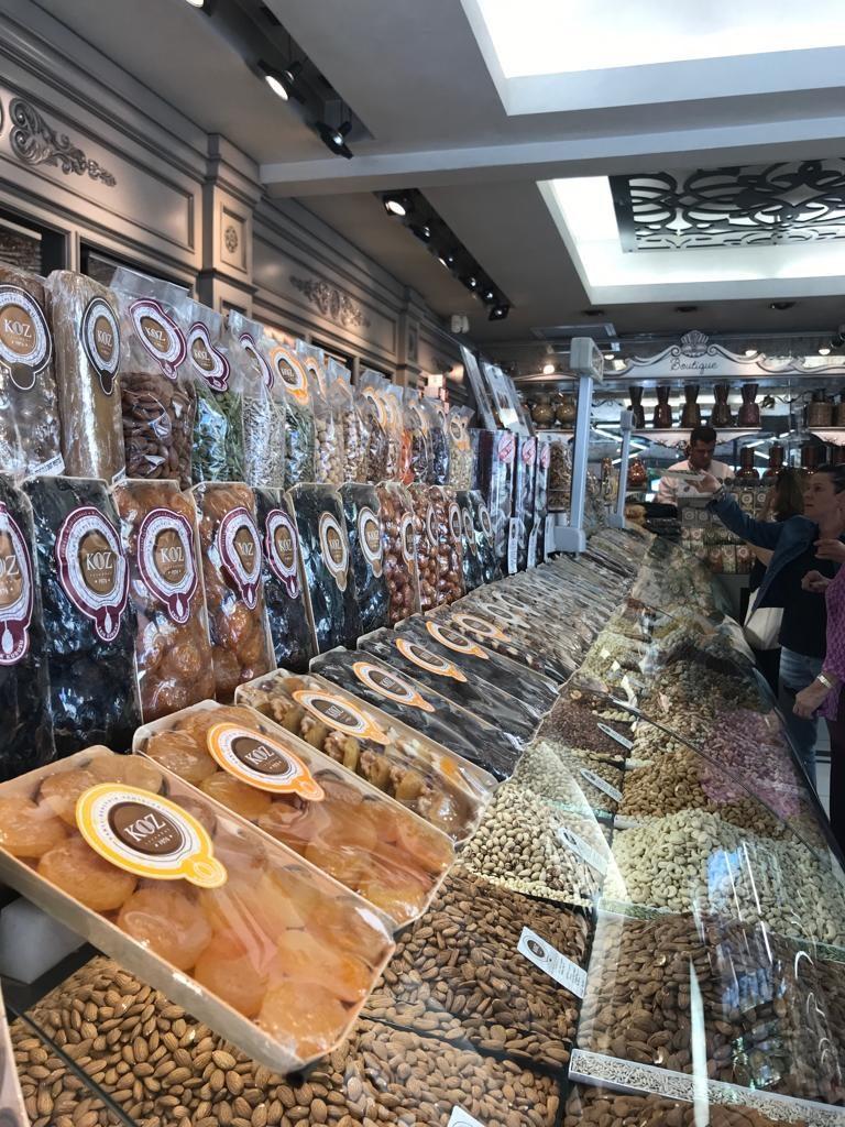 Koz: negozio di frutta secca a Istanbul
